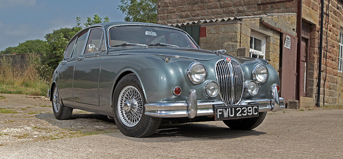 Choose from the largest classic car hire fleet in UK, hire classic cars from Worcestershire for Cotswolds, Yorkshire, Devon, Shropshire, Peak District, Northants. We have a wide range of classic prestige car and sports car options. Jaguar E Type, Jaguar Mk2, Jensen Interceptor, Alfa Romeo Spider, Triumph Stag, Morris Minor, Rolls Royce, Porsche, Classic Mini Cooper