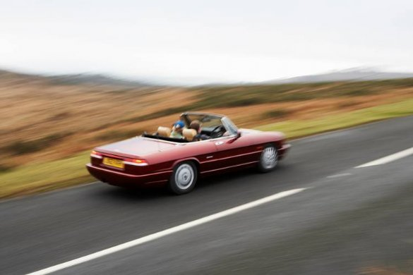 Great Escape Classic Car Hire Alfa Romeo Spider is ideal for a 30th birthday present