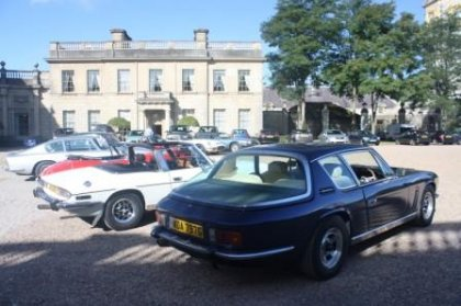 why choose a classic car for your corporate team building event