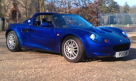 Great Escape Classic Car Hire in France Lotus Elise for self drive hire near Paris for tours of the Loire Valley