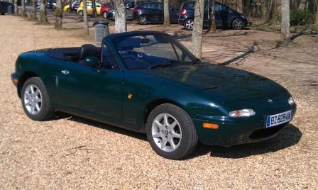 Great Escape Classic Car Hire in France Mazda MX5 for self drive hire near Paris for tours of the Loire Valley