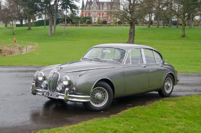 Jaguar Mk2 3.4 in gunmetal grey metallic for wedding hire