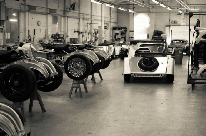 Morgan-Factory-Visit-Tour-Production-Line-carwitter