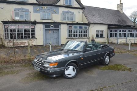 Hire a classic Saab 900 Turbo convertible in the Cotswold