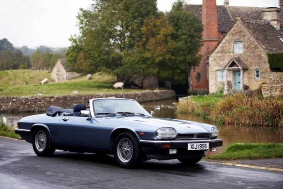 Great Escape Classic Car Hire Jaguar XJS V12 convertible is a great way to celebrate a 30th birthday present