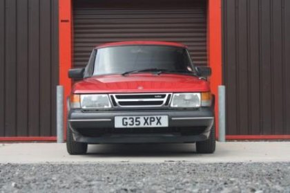 Great Escape Classic Car Hire Saab 900 Turbo for self drive rental in the Cotswolds