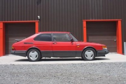 Great Escape Classic Car Hire 1988 Saab 900 turbo for self drive rental for 30th birthday gift